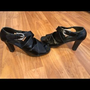 BRIGHTON VOGUE HEELED SHOES